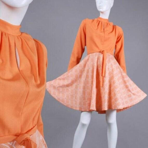 M/L Vintage 1960s Peach White Swing Mini Dress Lon