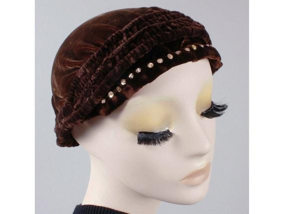 Vintage 1910s 20s Brown-Black Velvet Beret Cloche… - image 1