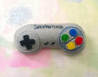 SNES Controller Brooch - handmade hand sewn embroidered wool felt Super Nintendo Entertainment System pin accessory