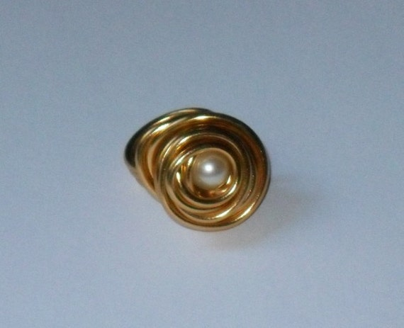 Rose Ring- Gold with Fresh Water Pearl