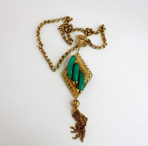 "60s Jade Pendant Necklace  Gold Chain 7"" Tassel Pe"