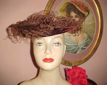 Vintage 40s Hat Brown Velvet & Fluffy Feathers Mini Pancake CARRIAGE Rest Style Chic BARGAIN