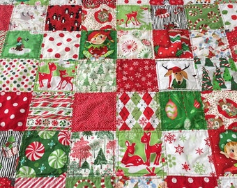 Christmas quilt handmade / holiday quilt / patchwork quilt red and green / baby's first Christmas / heirloom quilt