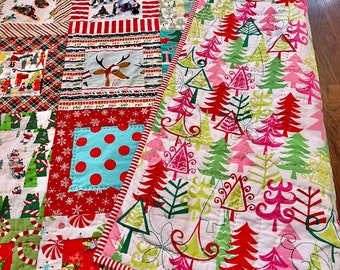 Baby girl Christmas quilt / Handmade Christmas - holiday quilt / modern patchwork quilt / holiday gifts / baby first Christmas gift