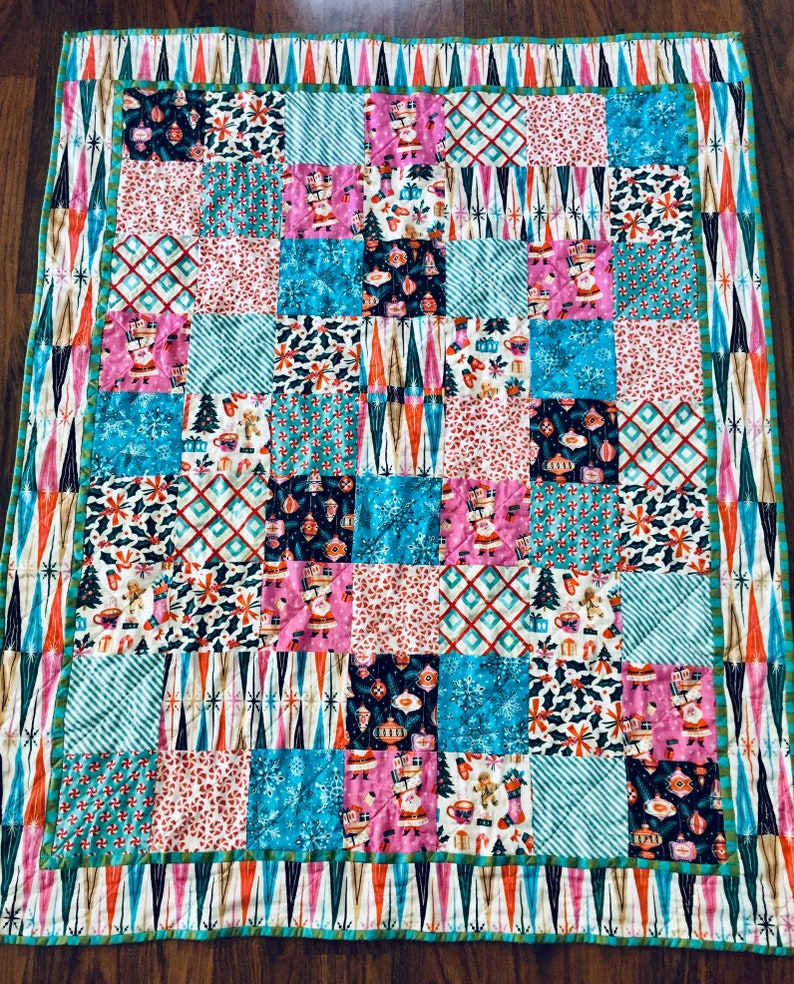 Handmade Christmas quilt  holiday patchwork quilt  baby image 0
