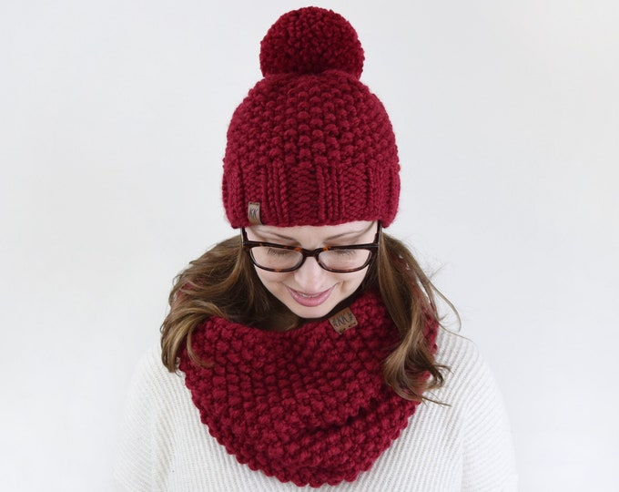Featured listing image: Textured Hat and Cowl Set