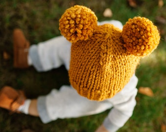 Hat Knitting Pattern // Double Pom Pom Hat Pattern // Toddler Hats // Basic Pom Pom Beanie Pattern // Knitting patterns for babies