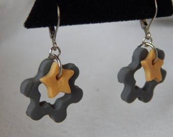 Earrings, GRAY Flower with STAR Center Clay Leverback jewelry (895)