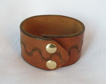 Leather Cuff, Wristband Cuff Bracelet with Tooled Wave Design FREE SHIPPING (G2P909)