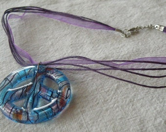 Necklace Choker Lampwork Glass Peace Sign on an Purple Ribbon (G2P799)
