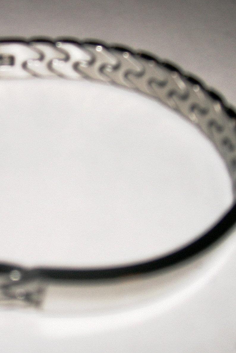 ID Bracelet Stainless Steel Metal Bracelet Engrave Medical ID Information Flex Link Clasp Closure Trendy Unisex Medical Alert ID Bracelet