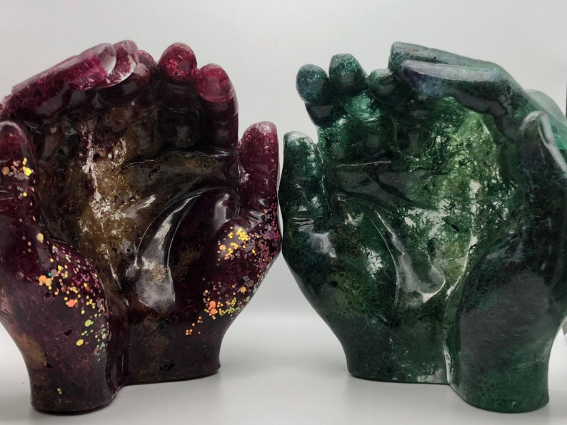 Mossy Hand-shaped Bowls image 1
