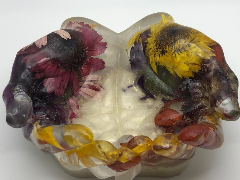 Sunny Flower Hand-shaped Bowl image 1