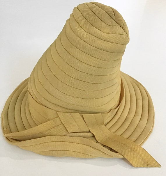 1930s Art Deco Cone-Shaped Hat