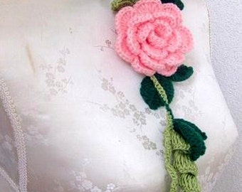 Crochet Jewelry, Necklace in green rose