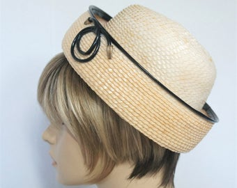 Straw Hat 1970's 1980's Spring Summer Vintage Women's Chapeau Curled Brim Natural