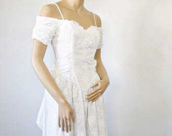 White Dress 1980's 1990's Vintage Ruched Princess Off the Shoulder Spring Summer Cotton Dress Size Small