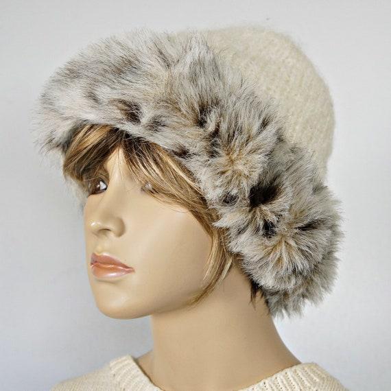 af43709ba11 Vintage Hat Faux Fur Trimmed Knit Winter Hat