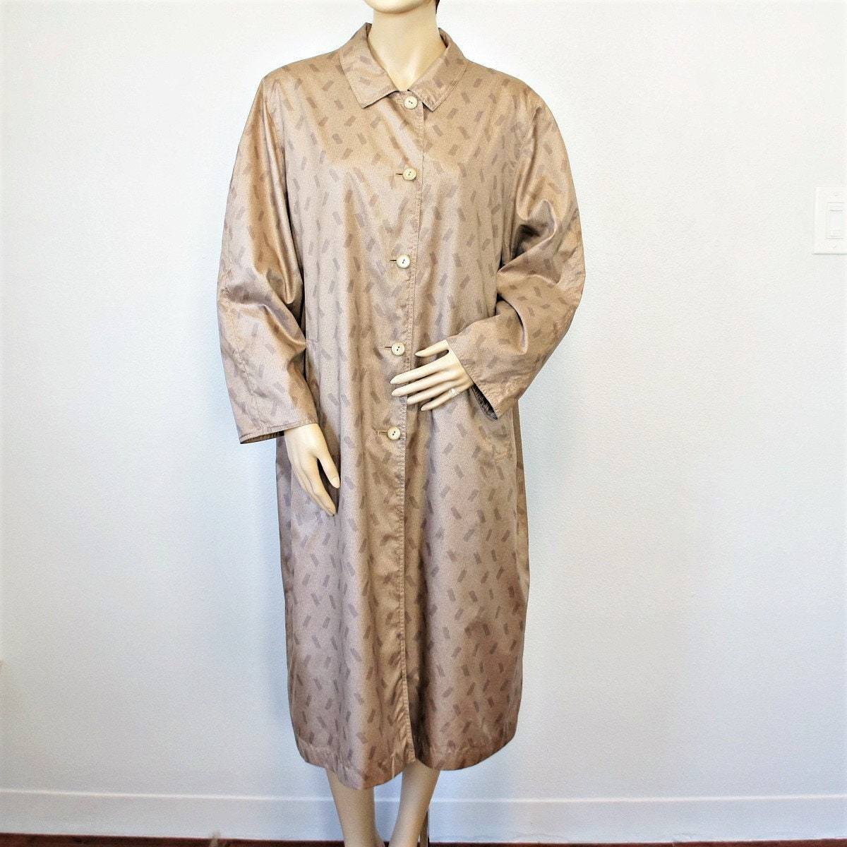 forefront of the times new authentic retro Vintage Coat French Lightweight Opera Trench Summer Raincoat Designer  Claude Havrey Size Medium