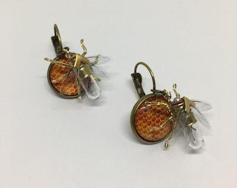 Steampunk earrings - Honeycomb bee - Handmade Tiny Bee Lightbulb Earrings - OOAK Unique Upcycled Steampunk Steam Punk Clockwork Jewelry