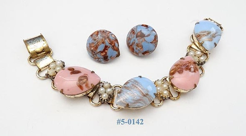 5-0142 Fantastic Vintage Pink And Blue Bracelet And Earrings Demi Marked Italy