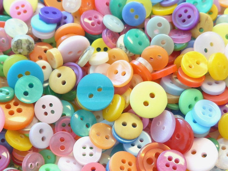500pcs Round Plastic Buttons Assorted Colors 6-12mm Sewing EB40