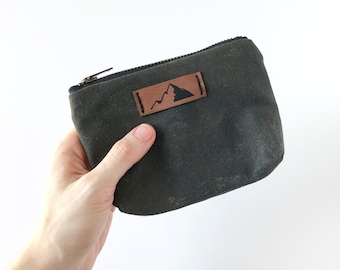 Pine Green Waxed Canvas Pouch. The Fox Zipper Wallet. Wax Canvas Bag. Small Cotton Pouch. Gifts for Him. Groomsman Gift. Travel Makeup Bag.