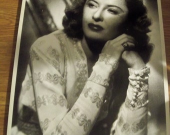 8 by 10 print photo of Barbara stanwyck famous  movie star