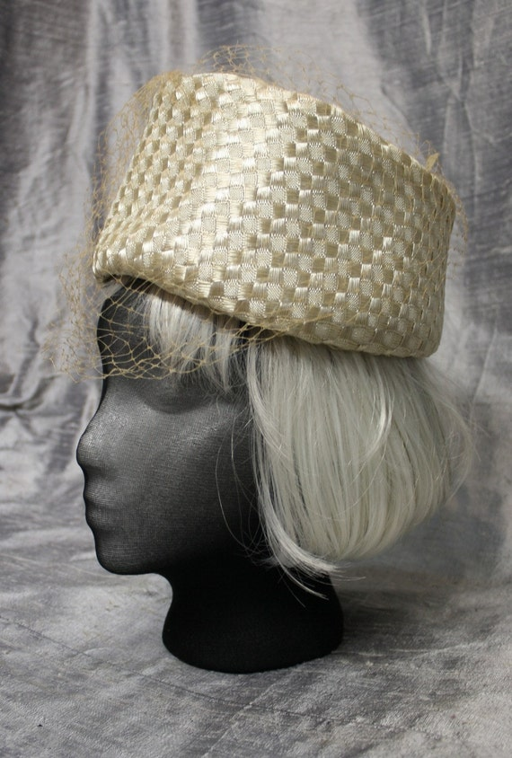 Vintage 1960's Torque Pillbox Hat