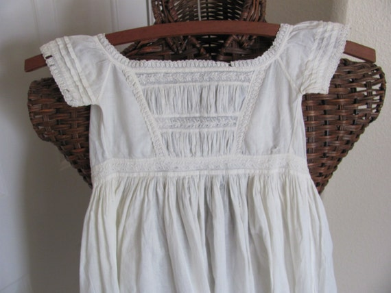 """Dress WOW Antique Victorian White 39"""" Long Baby Ch"""