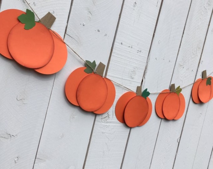 Pumpkin Garland Decoration