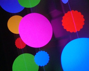 Large Glow Garland, Black Light Party Garland, Jumbo Glow Party Decoration, Hanging Circle Glow Party Decor, Sweet 16 Glow Party, Neon Dance