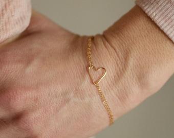 Delicate Gold Bracelet, Tiny Gold Heart Bracelet, Sideways Heart Bracelet, Delicate Gold Bracelet, Dainty Heart Bracelet, B05