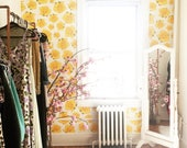 Removable Wallpaper / Vintage 'Axl' Yellow Rose / Perfect for renters and owners / Assorted Lengths Available