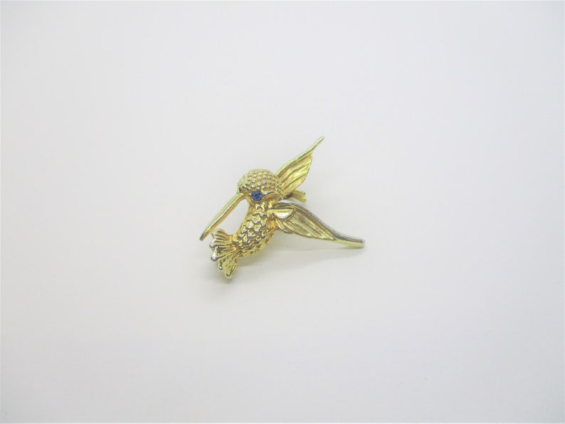 Tiny hummingbird brooch: Super-cute vintage gold tone and blue image 0