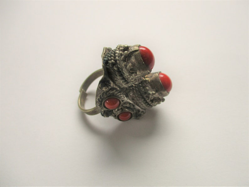 Coral kuchi ring: an amazing statement textured silver tone image 0