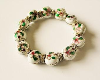 White cloisonne bracelet: Elegant textured white enamel cloisonne flower garden statement beaded stretch bangle bracelet, bead bracelet