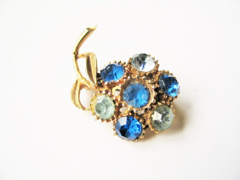 Blue flower brooch: Beautiful super glittery bright yellow image 0