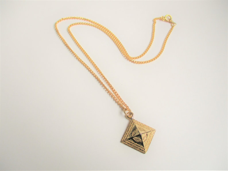 Gold pyramid pendant: amazing kitsch witchy occult eye of image 0