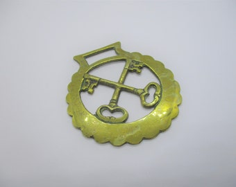 Victorian horse brass: Lovely unusual Victorian antique horse brass with cross keys design, cross keys horse brass, collectable, Victoriana