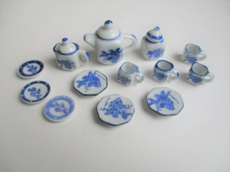 Doll's house teaset: tiny little blue and white painted image 0