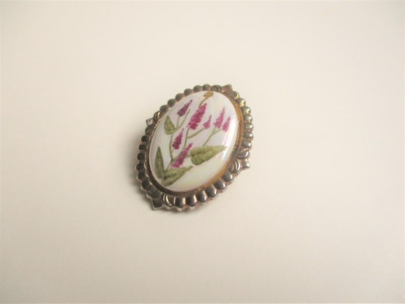 Handpainted enamel brooch: Lovely hand painted white floral image 0