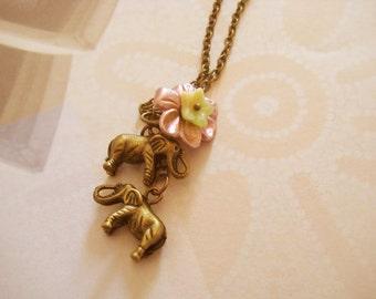 Elephant says hello necklace