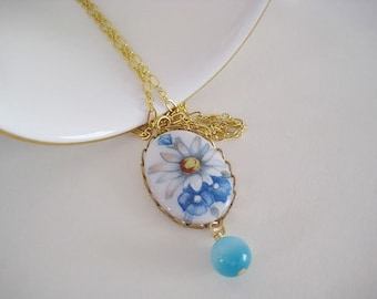 Vintage Cameo necklace in turquoise blue