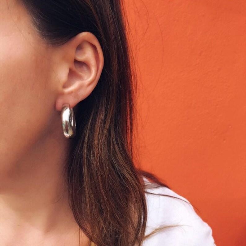 Vintage silver tone hoop earrings image 0
