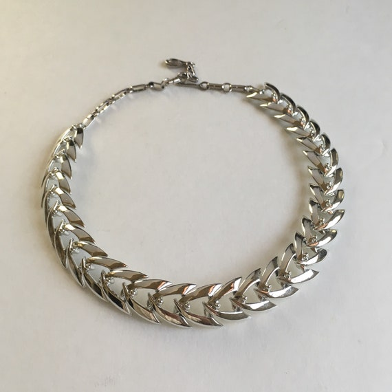 Vintage Coro silver arrow chain necklace