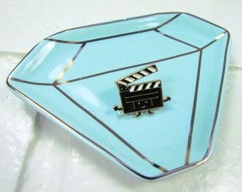 Enamel Pin | Brooch | Smiley Movie Clapperboard | Slate Board | Movie Aficionado | Instagram | School | Gift Under 10 | Fashion Accessory