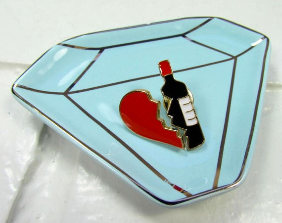 Enamel Pin | Brooch | Broken Heart & Wine Bottle *PIN SET* | Kawaii | Best Friends | Wine Lovers | Broken Hearted | Instagram| Gift Under 10