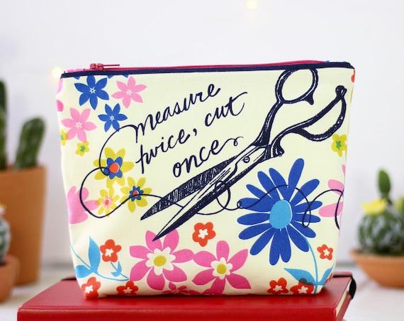Handmade Makeup Bag | Zipper Pouch | Pencil Pouch | Toiletry Bag | School Supplies | Gift Idea | Cosmetic Bag | Inspired 1970s Retro Print