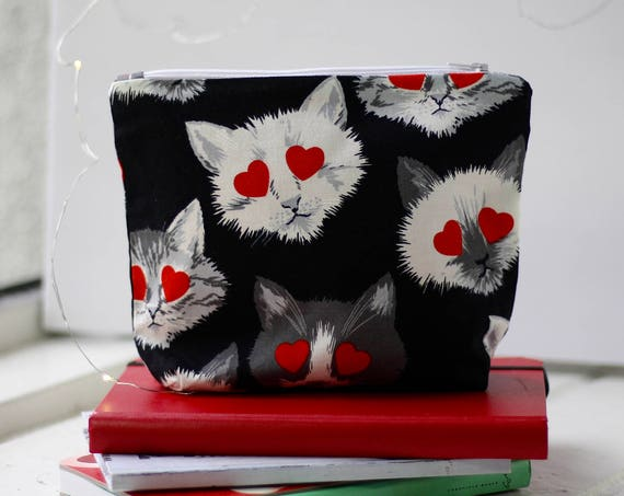 Makeup Bag | Zipper Pouch | Pencil Pouch | Toiletry Bag | School Supplies | Handmade | Gift Idea | Cosmetic Bag | Cats | Hearts